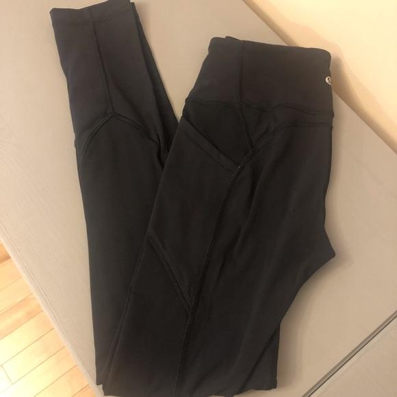 Lululemon black leggings EUC